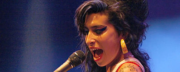 353034-400-629-1-100-Amy_Winehouse